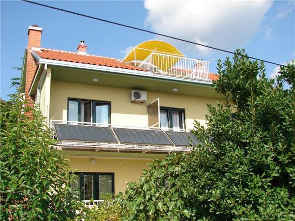 Apartment for 6 persons near the beach in Crikvenica - Image 1 - Crikvenica - rentals