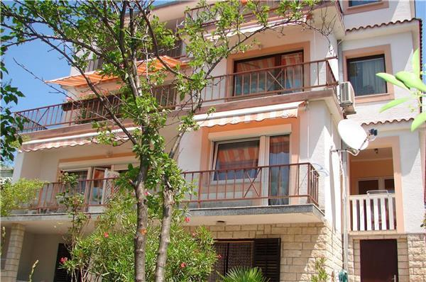 Apartment for 5 persons in Crikvenica - Image 1 - Crikvenica - rentals