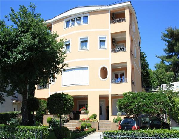 Apartment for 5 persons near the beach in Selce - Image 1 - Selce - rentals