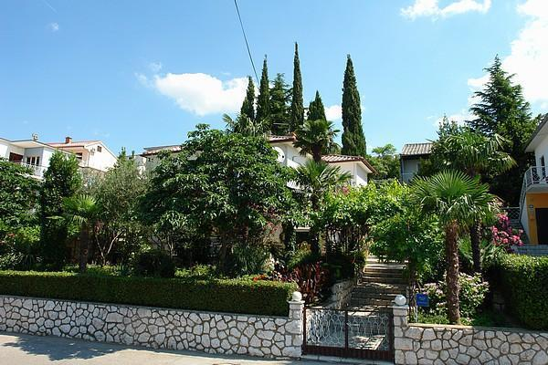 Attractive holiday house for 6 persons near the beach in Crikvenica - Image 1 - Dramalj - rentals