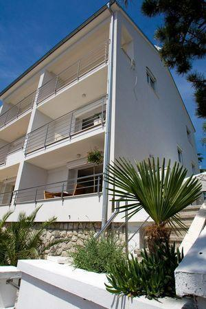Apartment for 5 persons near the beach in Crikvenica - Image 1 - Dramalj - rentals