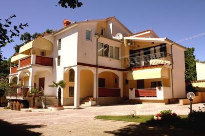 Renovated apartment for 3 persons near the beach in Medulin - Image 1 - Medulin - rentals