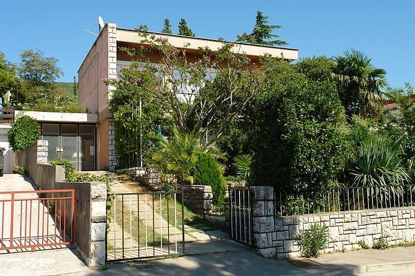 Apartment for 6 persons near the beach in Crikvenica - Image 1 - Dramalj - rentals