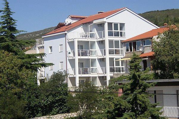Holiday house for 6 persons near the beach in Crikvenica - Image 1 - Dramalj - rentals