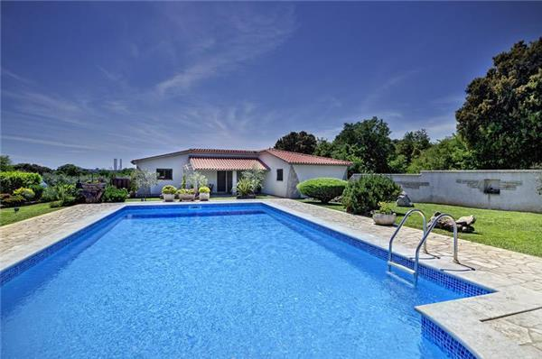 Attractive apartment for 4 persons, with swimming pool , in Pula - Image 1 - Pula - rentals