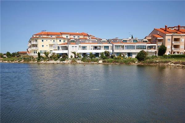 Apartment for 3 persons near the beach in Medulin - Image 1 - Medulin - rentals