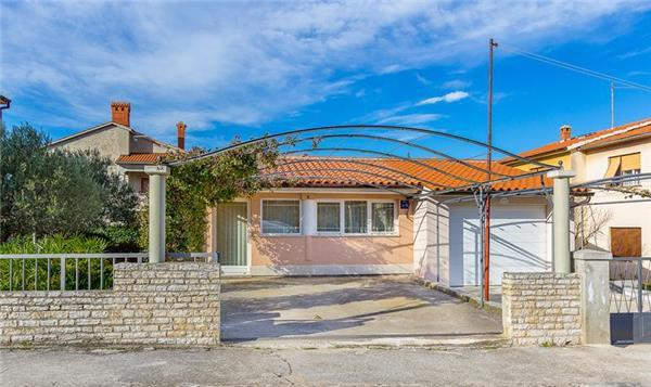 Attractive holiday house for 3 persons in Pula - Image 1 - Pula - rentals