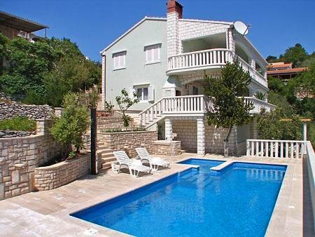 Apartment for 3 persons, with swimming pool , near the beach in Korcula - Image 1 - Vela Luka - rentals