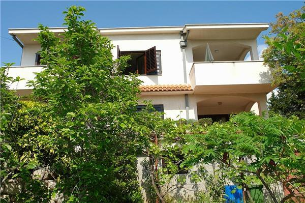 Apartment for 7 persons near the beach in Crikvenica - Image 1 - Dramalj - rentals