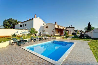 Attractive holiday house for 10 persons, with swimming pool , in Marcana - Image 1 - Marcana - rentals
