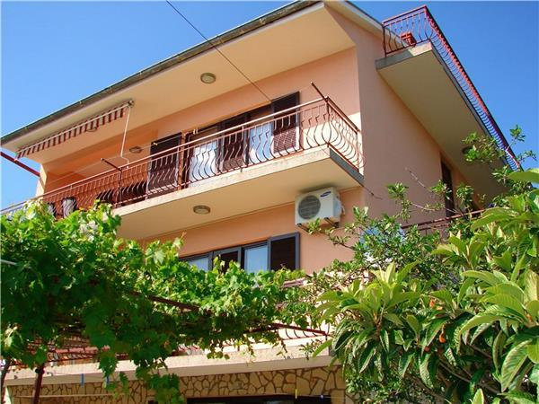 Attractive holiday house for 3 persons near the beach in Crikvenica - Image 1 - Dramalj - rentals