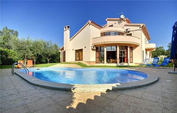 Luxury holiday house for 12 persons, with swimming pool , in Medulin - Image 1 - Medulin - rentals