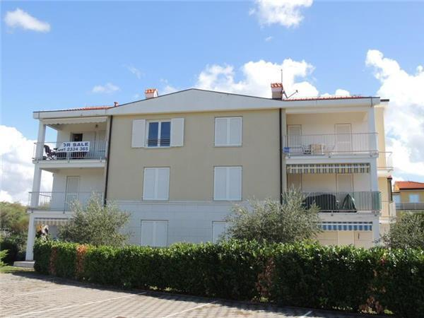 Apartment for 6 persons near the beach in Krk - Image 1 - Malinska - rentals