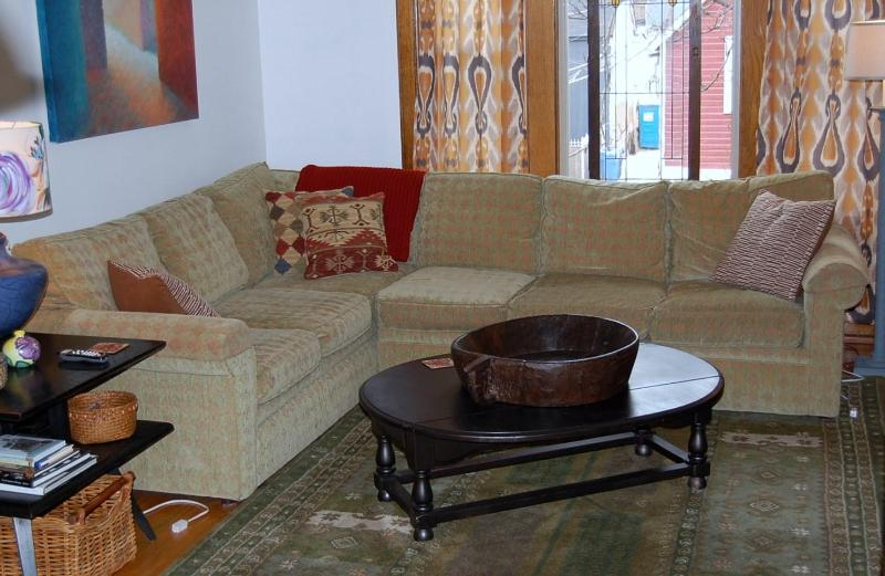 Living room - !Charm and Convenience in Historic Lincoln Square! - Chicago - rentals