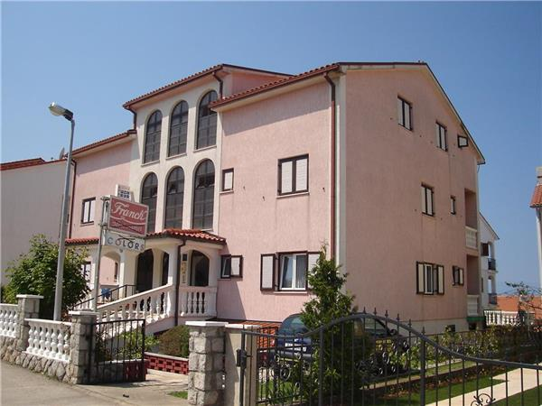 Apartment for 2 persons, with swimming pool , in Krk - Image 1 - Malinska - rentals