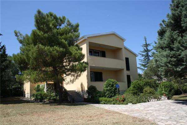 Attractive apartment for 9 persons near the beach in Krk - Image 1 - Vantacici - rentals