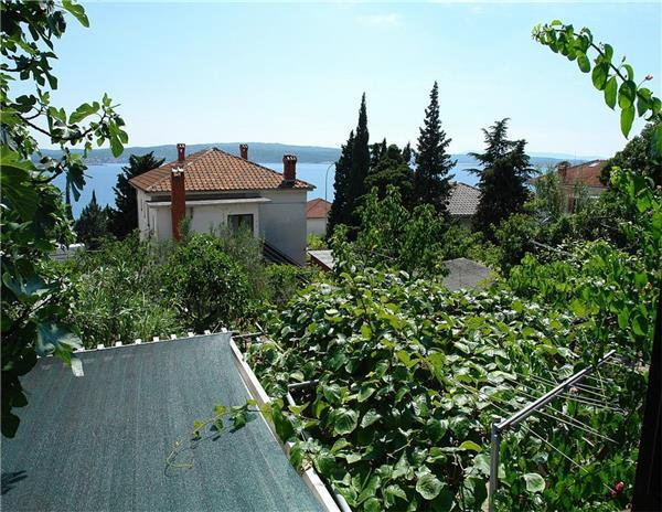 Apartment for 3 persons near the beach in Crikvenica - Image 1 - Crikvenica - rentals