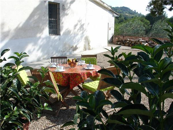 Attractive holiday house for 6 persons, with swimming pool , in Barcelona - Image 1 - Sant Pere de Riudebitlles - rentals