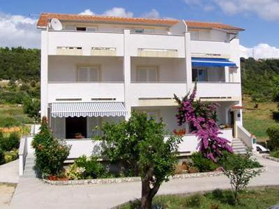 Apartment for 5 persons in Rab - Image 1 - Palit - rentals
