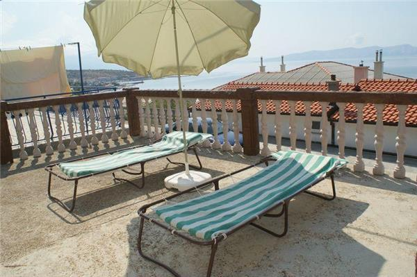 Apartment for 6 persons near the beach in Senj - Image 1 - Senj - rentals