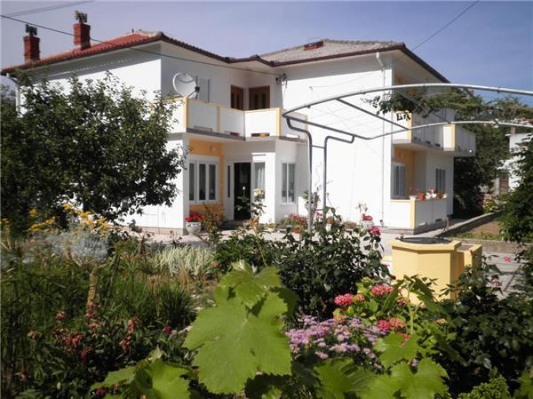 Apartment for 3 persons near the beach in Rab - Image 1 - Palit - rentals