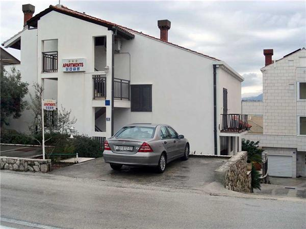 Renovated apartment for 6 persons in Cavtat - Image 1 - Cavtat - rentals