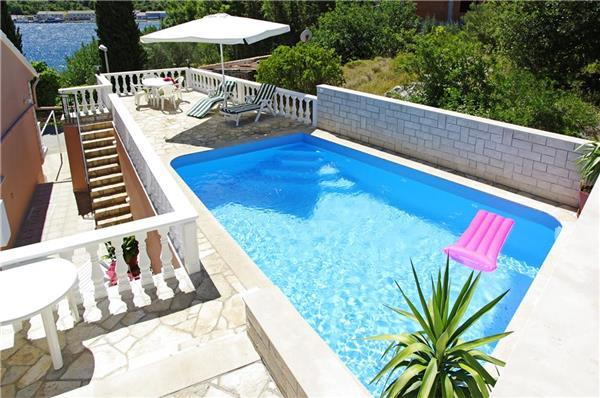 Attractive holiday house for 10 persons near the beach in Korcula - Image 1 - Vela Luka - rentals
