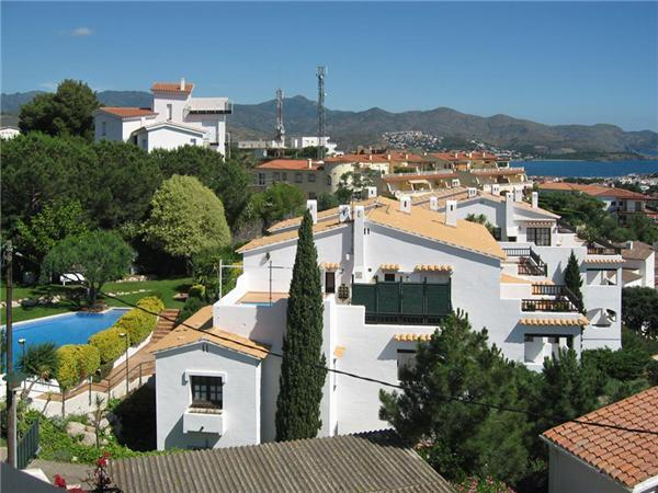 Attractive apartment for 4 persons, with swimming pool , in Llanca - Image 1 - Llanca - rentals