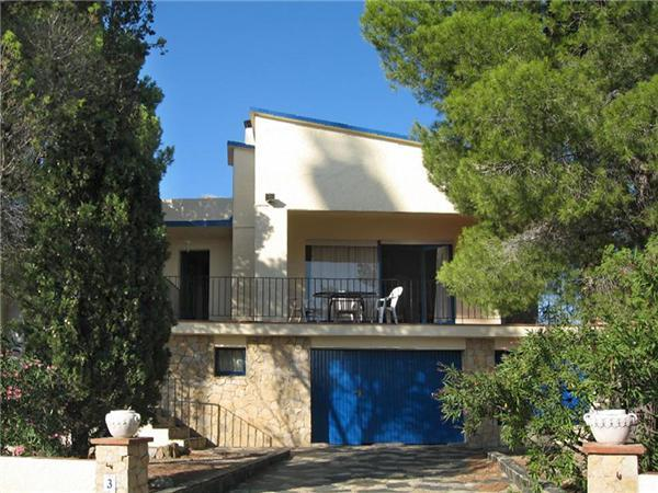 Attractive holiday house for 6 persons in Llanca - Image 1 - Llanca - rentals