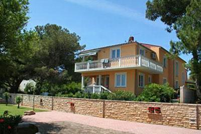 Apartment for 6 persons, with swimming pool , near the beach in Liznjan - Image 1 - Liznjan - rentals