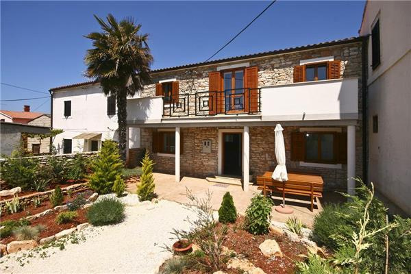 Attractive holiday house for 6 persons in Valbandon - Image 1 - Fazana - rentals