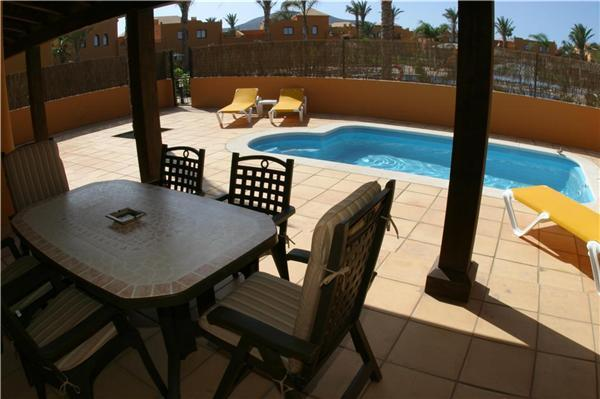 Holiday house for 6 persons, with swimming pool , in La Oliva, Corralejo - Image 1 - Corralejo - rentals