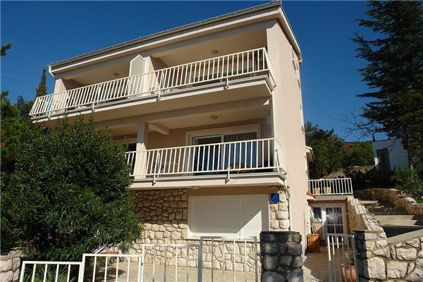Attractive holiday house for 5 persons near the beach in Selce - Image 1 - Selce - rentals