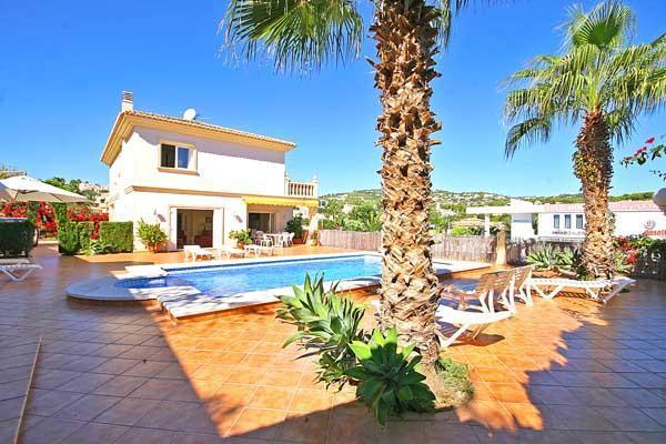 Attractive holiday house for 12 persons, with swimming pool , near the beach in Benissa - Image 1 - Benissa - rentals