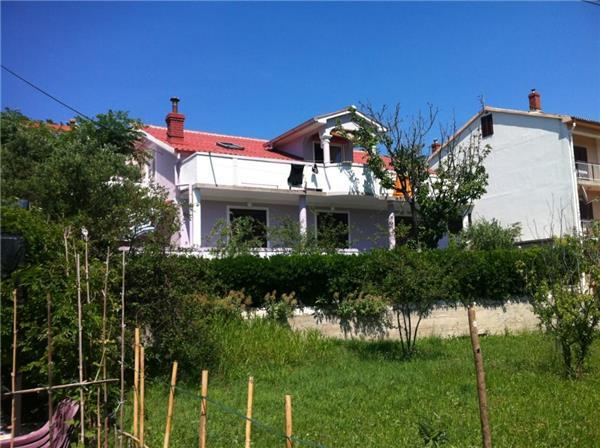 Apartment for 8 persons in Rab - Image 1 - Kampor - rentals