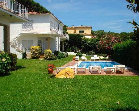 Attractive apartment for 6 persons, with swimming pool , in Platja d Aro - Image 1 - S'Agaro - rentals