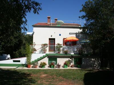 Holiday house for 9 persons in Vinkuran - Image 1 - Pula - rentals