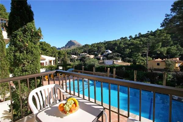 Apartment for 4 persons, with swimming pool , near the beach in Cala San Vicente - Image 1 - Cala San Vincente - rentals