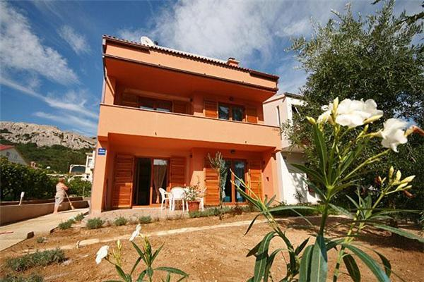 Apartment for 2 persons near the beach in Krk - Image 1 - Baska - rentals
