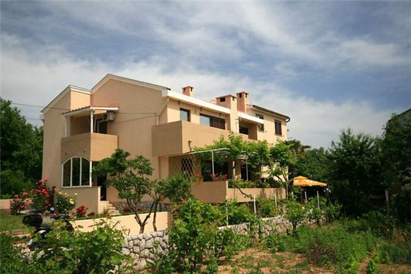 Apartment for 6 persons near the beach in Krk - Image 1 - Baska - rentals