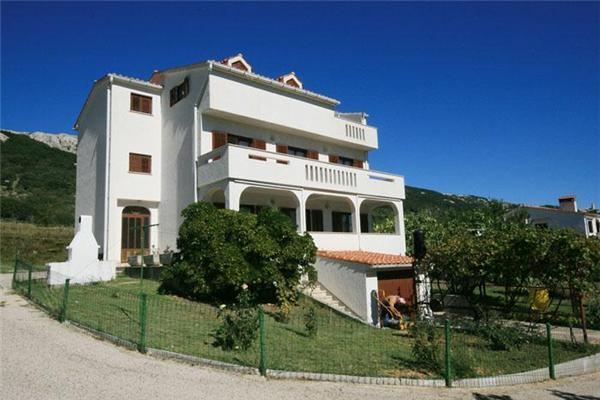 Attractive apartment for 9 persons in Krk - Image 1 - Baska - rentals