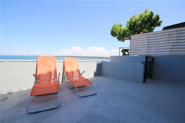 Apartment for 4 persons near the beach in Novigrad - Image 1 - Novigrad - rentals