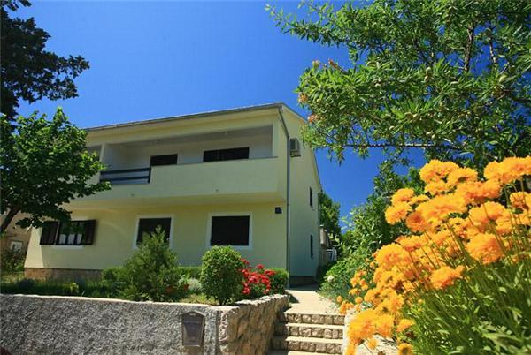 Apartment for 3 persons near the beach in Krk - Image 1 - Baska - rentals