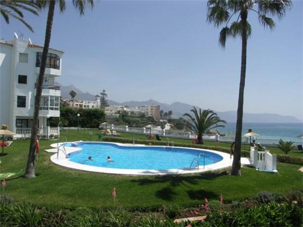 Apartment for 3 persons, with swimming pool , near the beach in Nerja - Image 1 - Nerja - rentals