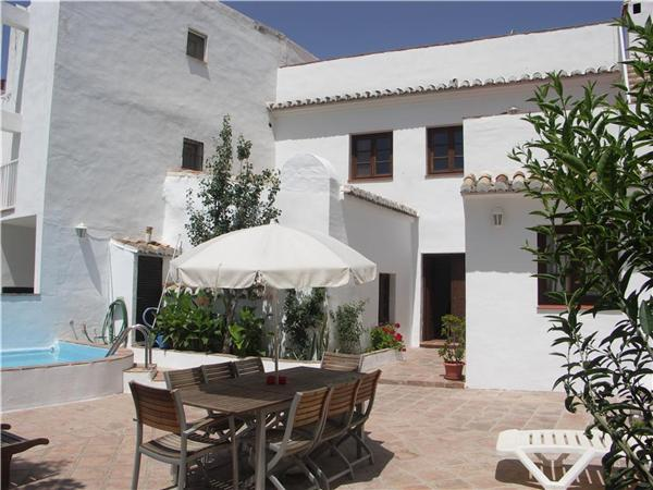 Holiday house for 8 persons, with swimming pool , near the beach in Nerja - Image 1 - Nerja - rentals
