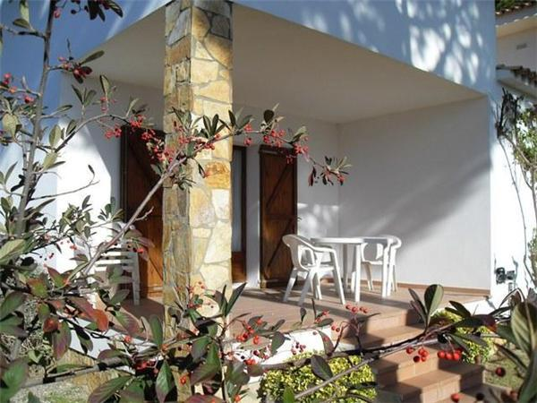 Attractive holiday house for 6 persons near the beach in Escala - Image 1 - L'Escala - rentals