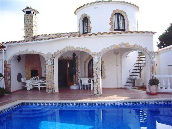 Holiday house for 6 persons, with swimming pool , in Empuriabrava - Image 1 - Empuriabrava - rentals
