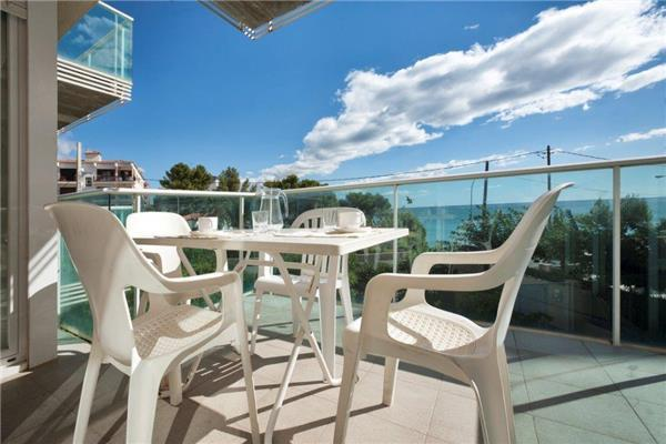 Attractive apartment for 6 persons, with swimming pool , near the beach in Miami Playa - Image 1 - Miami Platja - rentals