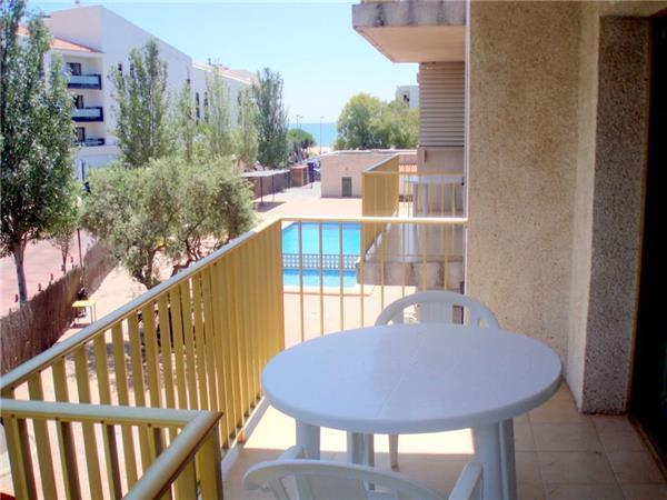 Apartment for 4 persons, with swimming pool , near the beach in Cambrils - Image 1 - Cambrils - rentals