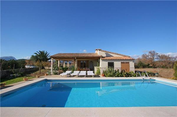 Attractive holiday house for 4 persons, with swimming pool , in Port de Pollenca - Image 1 - Port de Pollenca - rentals